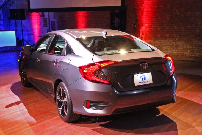 2016-Honda-Civic-Rear
