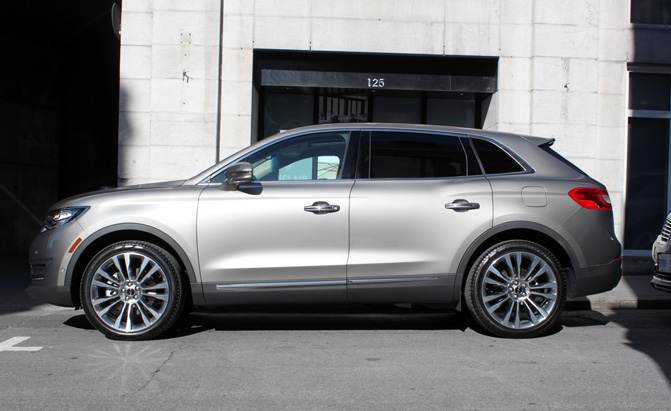 2016-Lincoln-MKX-Review-side-profile