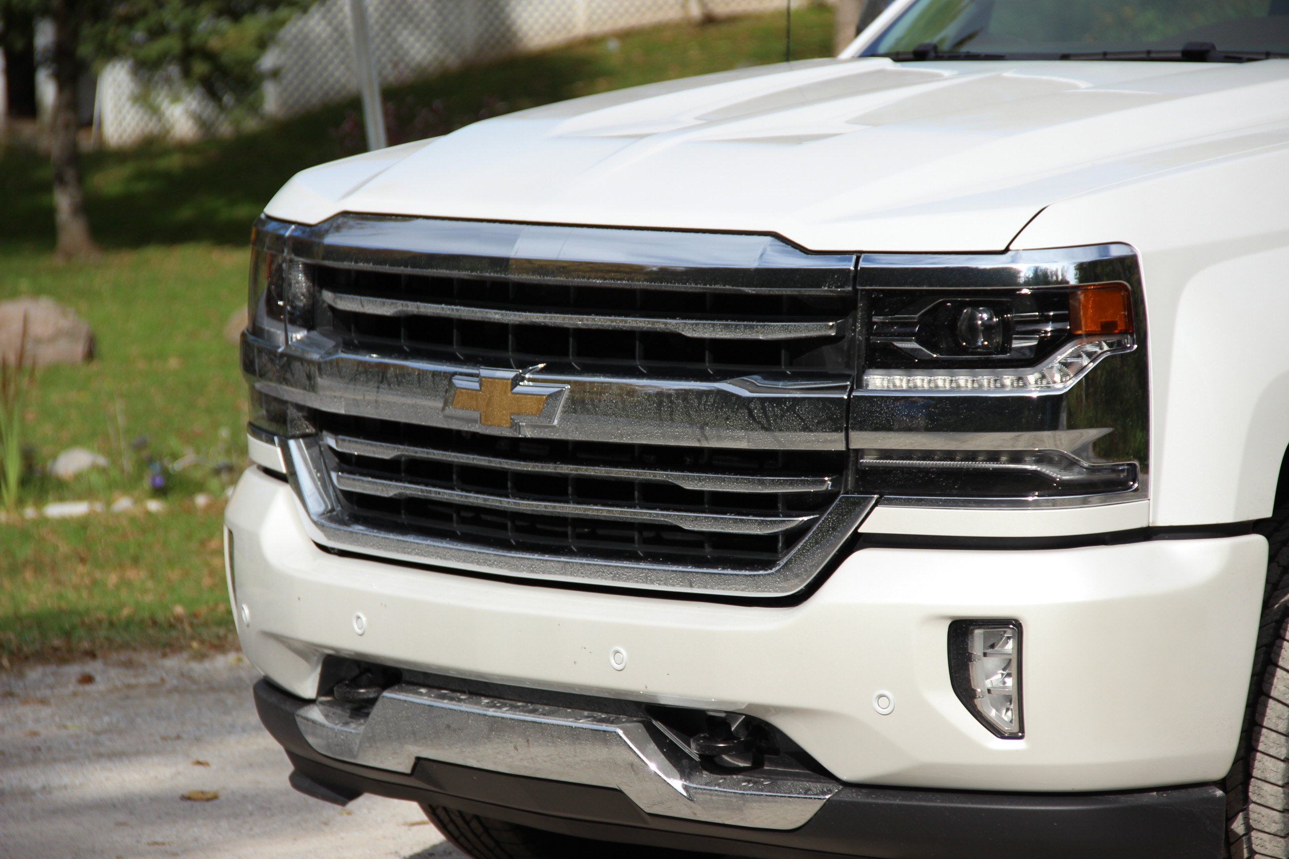 2016 chevrolet silverado 6 things you need to know news. Black Bedroom Furniture Sets. Home Design Ideas