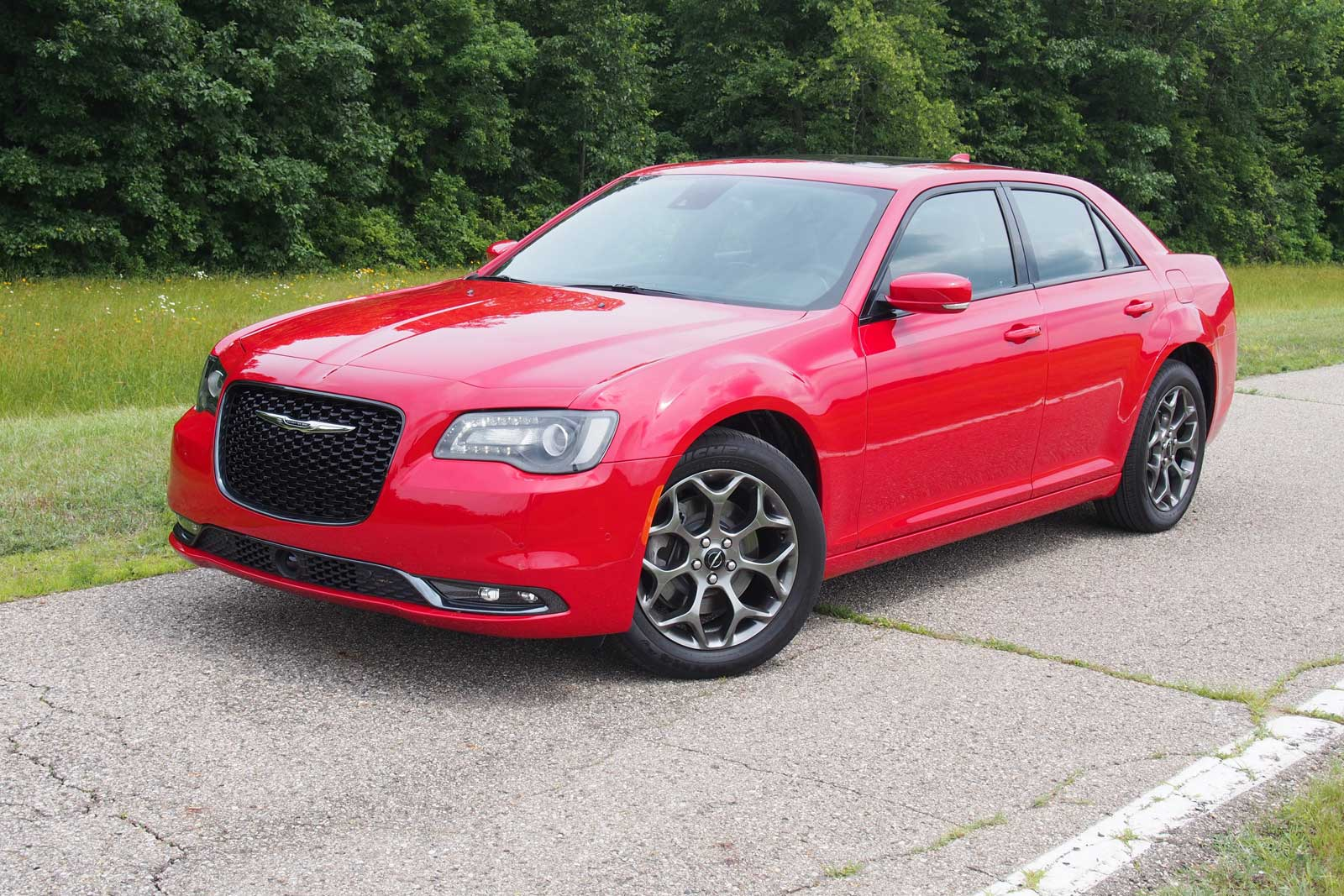2016 Chrysler 300s Front 02