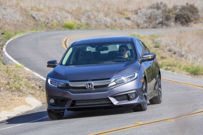 2016 Honda Civic Driving 05