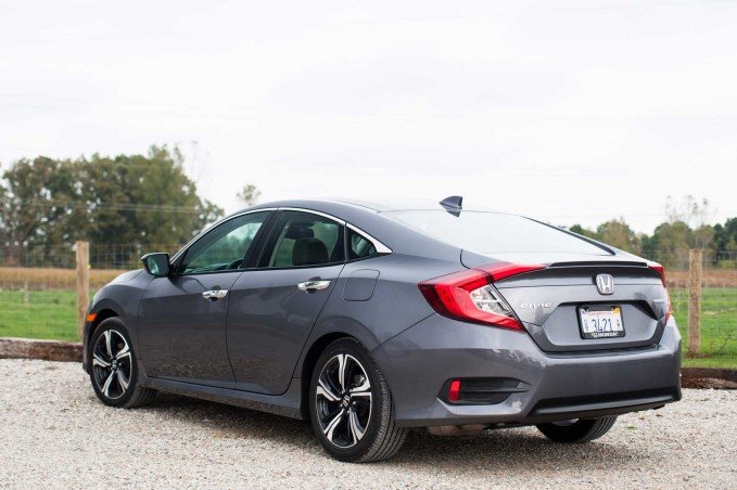2016 Honda Civic Rear 01