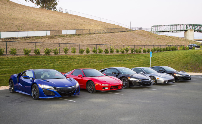 2017-acura-nsx-group-photo