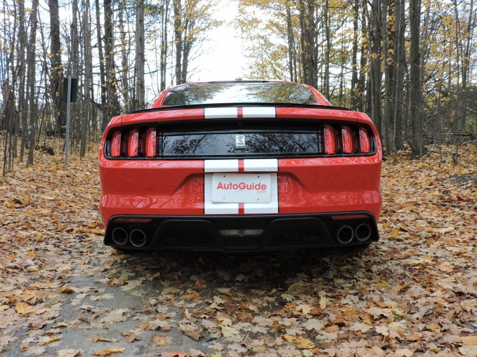 2016-Ford-Shelby-Mustang GT350-05