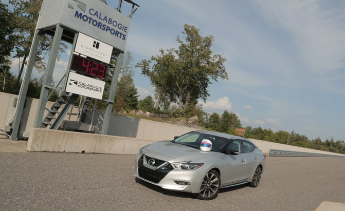 2016-nissan-maxima-how-to-drive-on-a-track-01