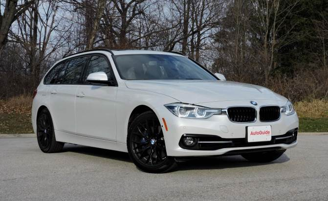 bmw reviews new bmw car reviews prices and specs. Black Bedroom Furniture Sets. Home Design Ideas