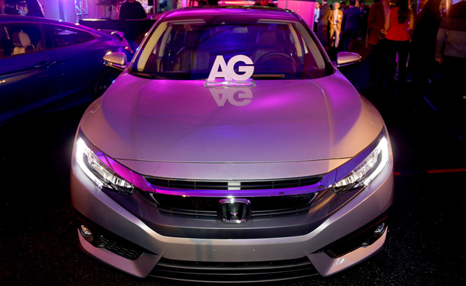 2016-Honda-Civic-Car-of-the-year-autoguide