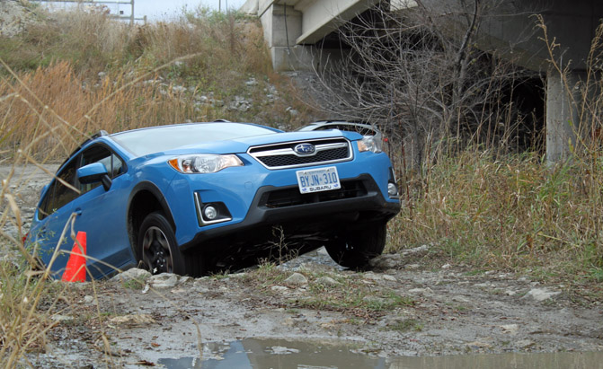 2016-subaru-crosstrek-review-climb