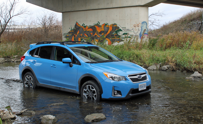2016-subaru-crosstrek-review-water