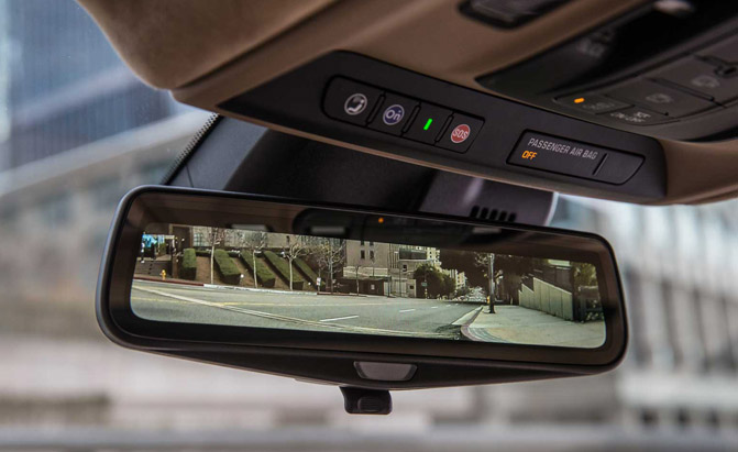 2016-Cadillac-CT6-Rear-View-Mirror-01