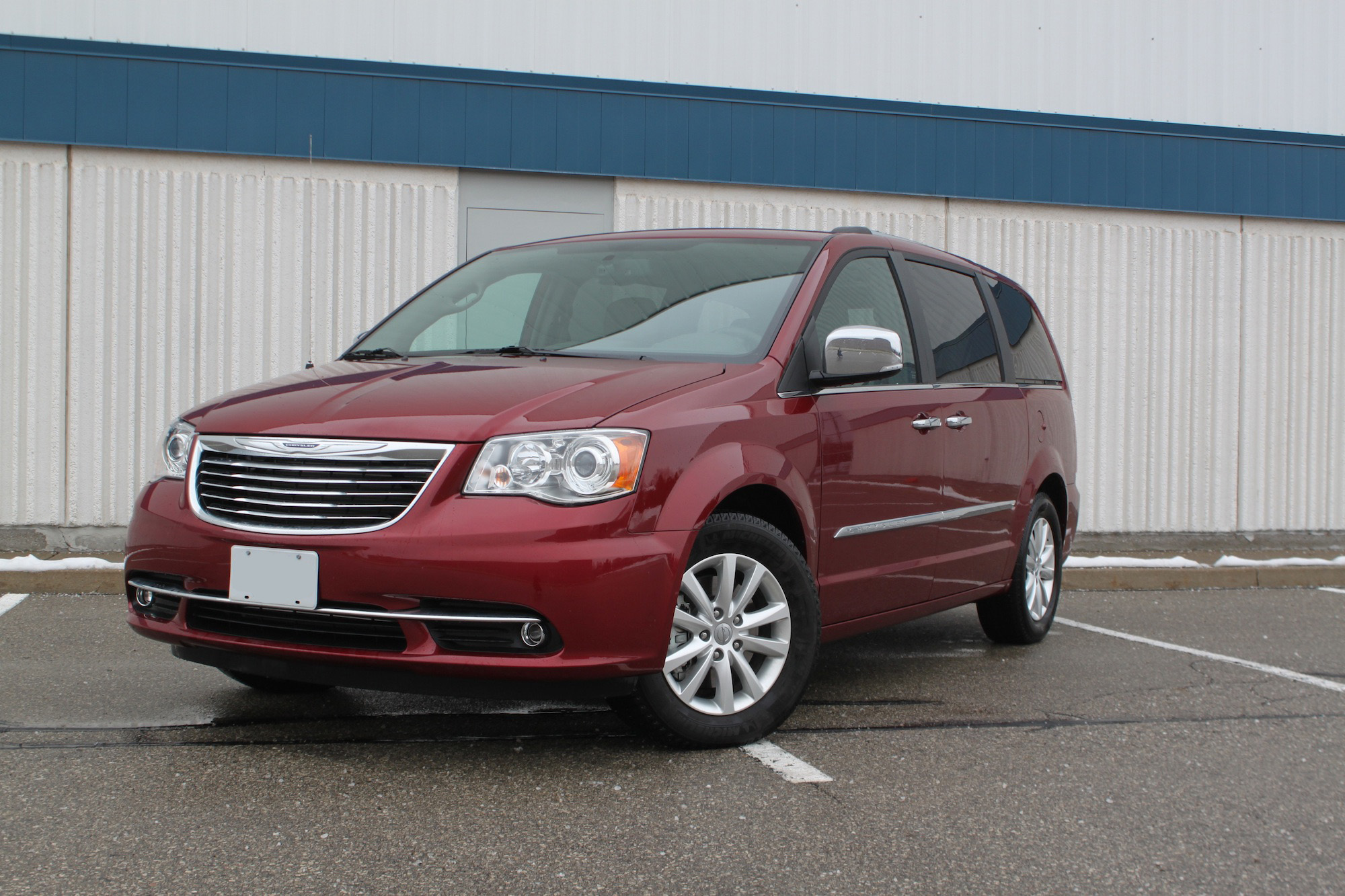 2016 chrysler town and country review. Black Bedroom Furniture Sets. Home Design Ideas