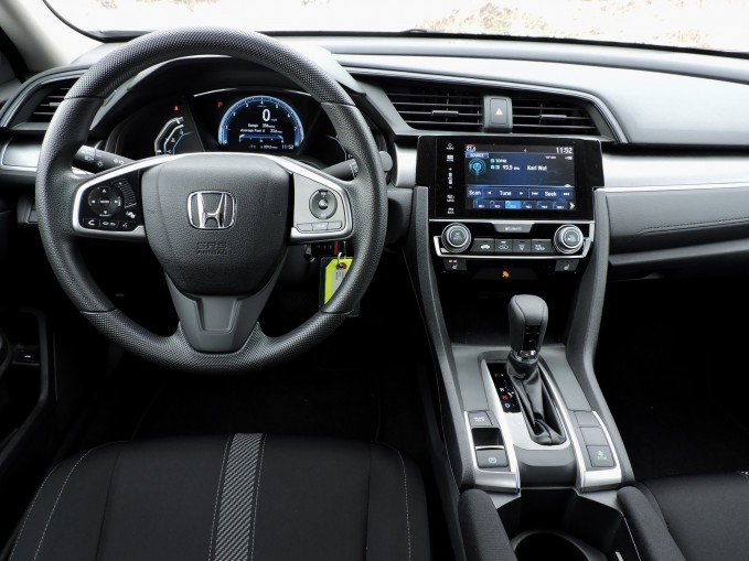 2016-Honda-Civic-LX-15