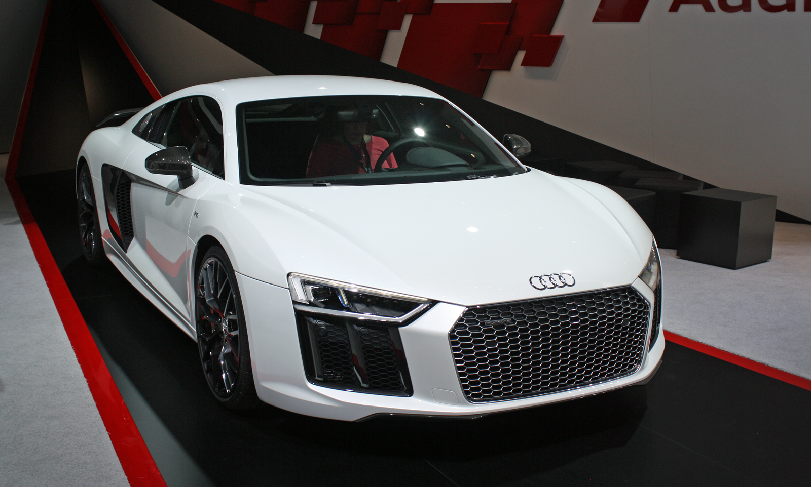 Top 10 Coolest Supercars of the Detroit Auto Show » AutoGuide.com News