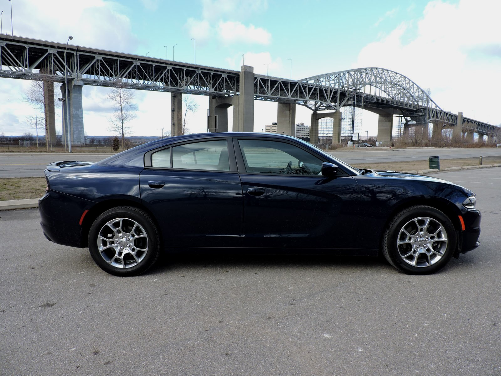 Dodge Charger 2016 >> 2016 Dodge Charger SXT AWD Review - AutoGuide.com