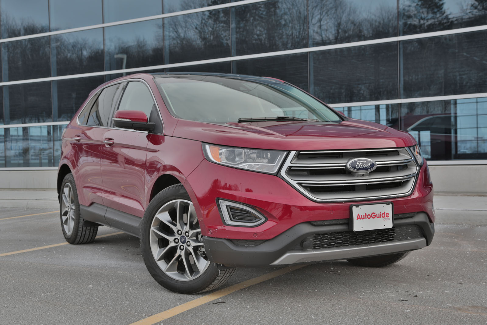 Ford Edge Cargo Space >> 2016 Ford Edge vs 2016 Nissan Murano - AutoGuide.com News