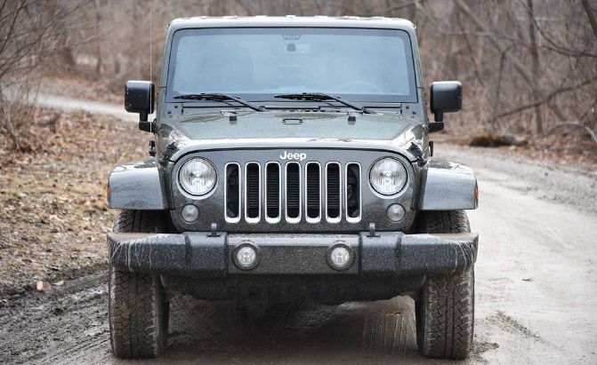 2016-Jeep-Wrangler-Unlimited-Front-01