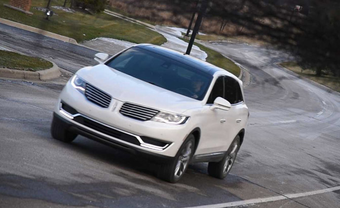 2016-Lincoln-MKX-Driving-01