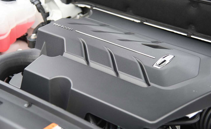 2016-Lincoln-MKX-Engine-02