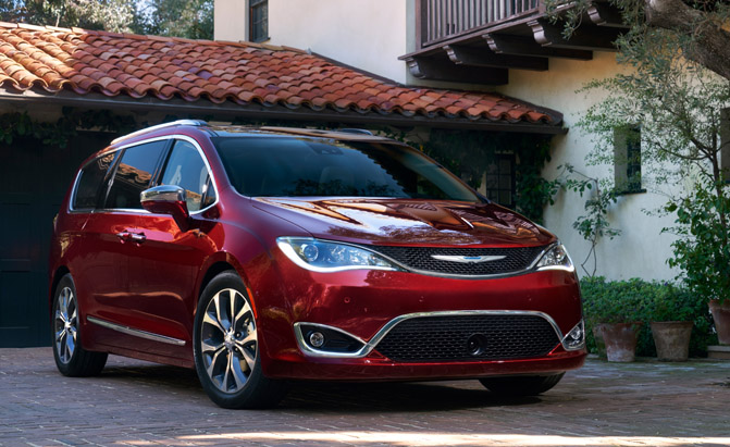 2017 chrysler pacifica fuel economy announced autoguide. Black Bedroom Furniture Sets. Home Design Ideas