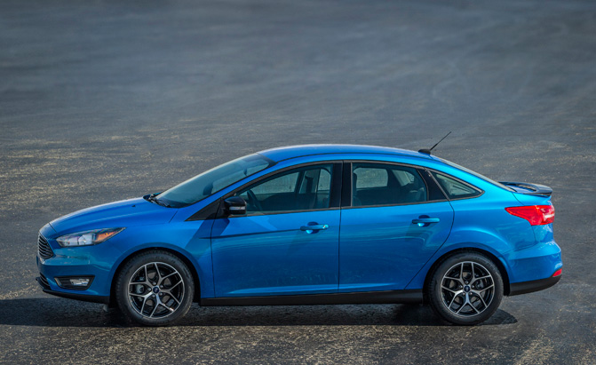 2015-ford-focus-sedan
