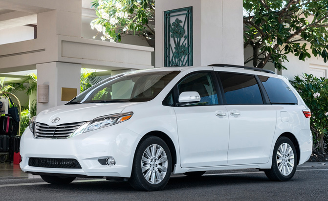 Toyota Sienna Highlander Getting On Board Vacuum Cleaners