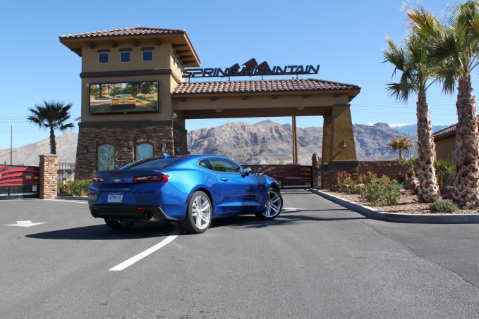 2016-Chevrolet-Camaro-20T-review-8