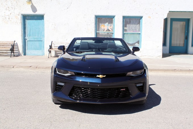 2016-Chevrolet-Camaro-Convertible-review-13