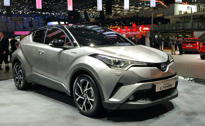 toyota c hr crossover revealed with prius power. Black Bedroom Furniture Sets. Home Design Ideas