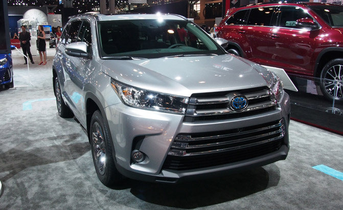 2017 Toyota Highlander Gets New V6 Eight Speed Auto