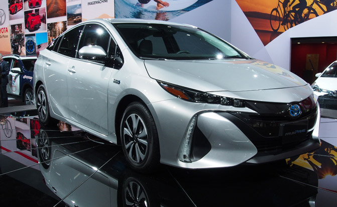 2017 toyota prius prime plug in hybrid gets an estimated 120 mpge news. Black Bedroom Furniture Sets. Home Design Ideas