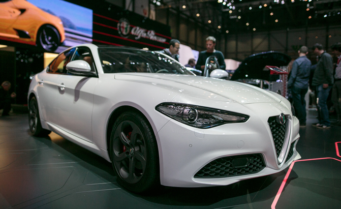 alfa romeo stelvio crossover to debut in november news. Black Bedroom Furniture Sets. Home Design Ideas