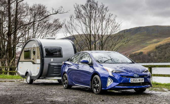 2016 Toyota Prius Offers Light Towing And Awd But Not In Us