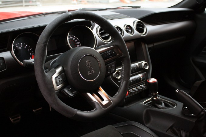 2017 Ford Shelby Gt350 Interior >> 2016 Ford Mustang Shelby Gt350 10 Things You Learn While Driving