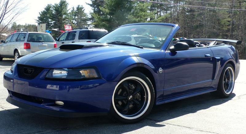 Ford_Mustang-01