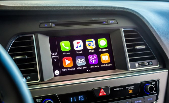 hyundai offers free upgrade for android auto apple. Black Bedroom Furniture Sets. Home Design Ideas