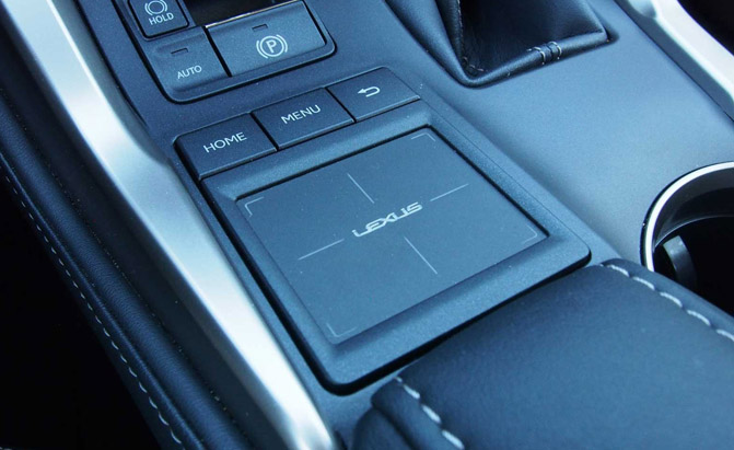 2016-Lexus-NX-300h-Remote-Touchpad-01