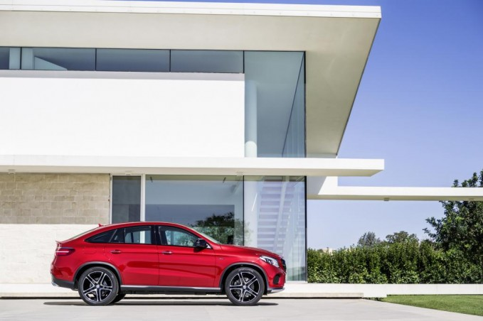 2016-Mercedes-GLE-Coupe-10