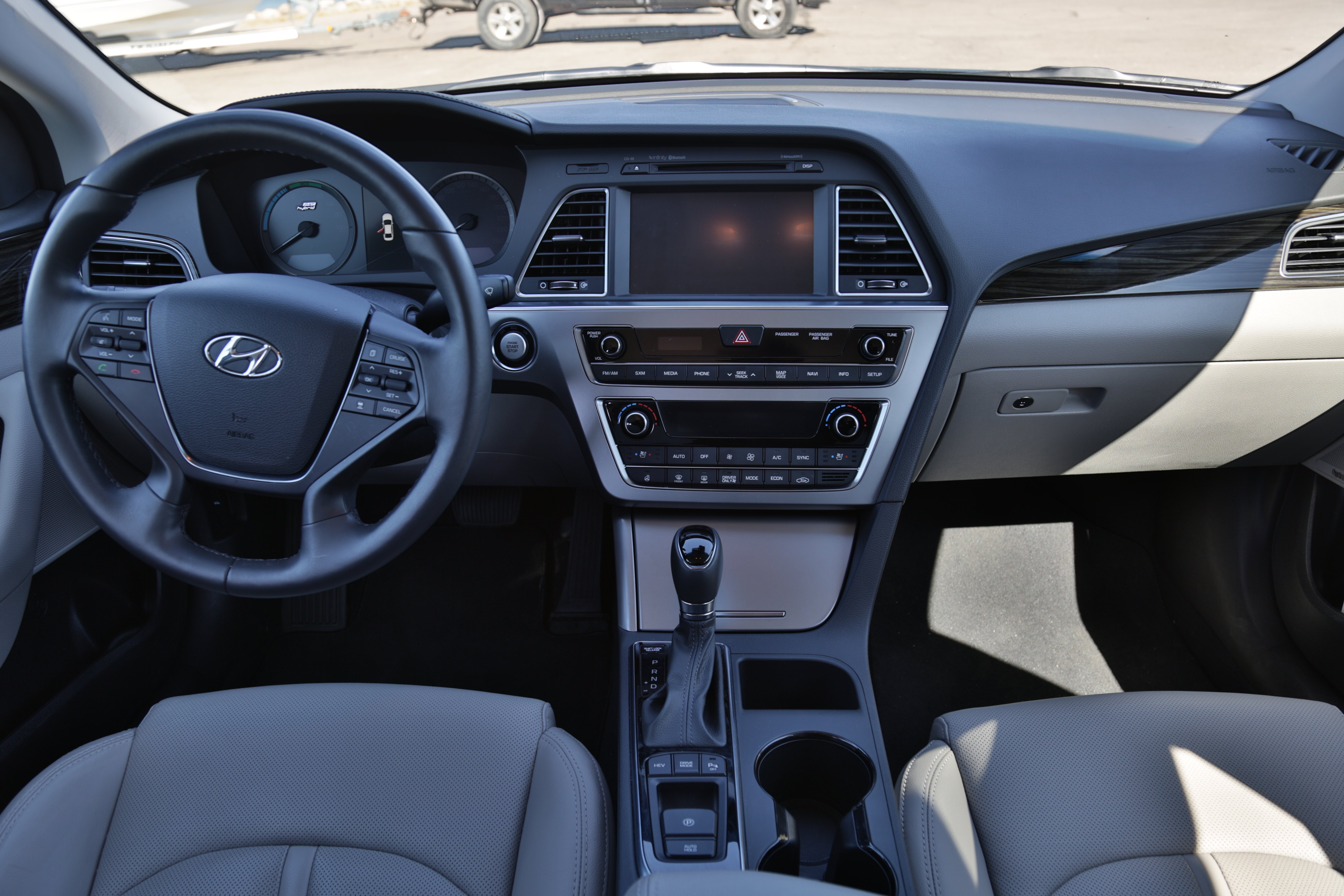 2016 hyundai sonata plug in hybrid review news. Black Bedroom Furniture Sets. Home Design Ideas
