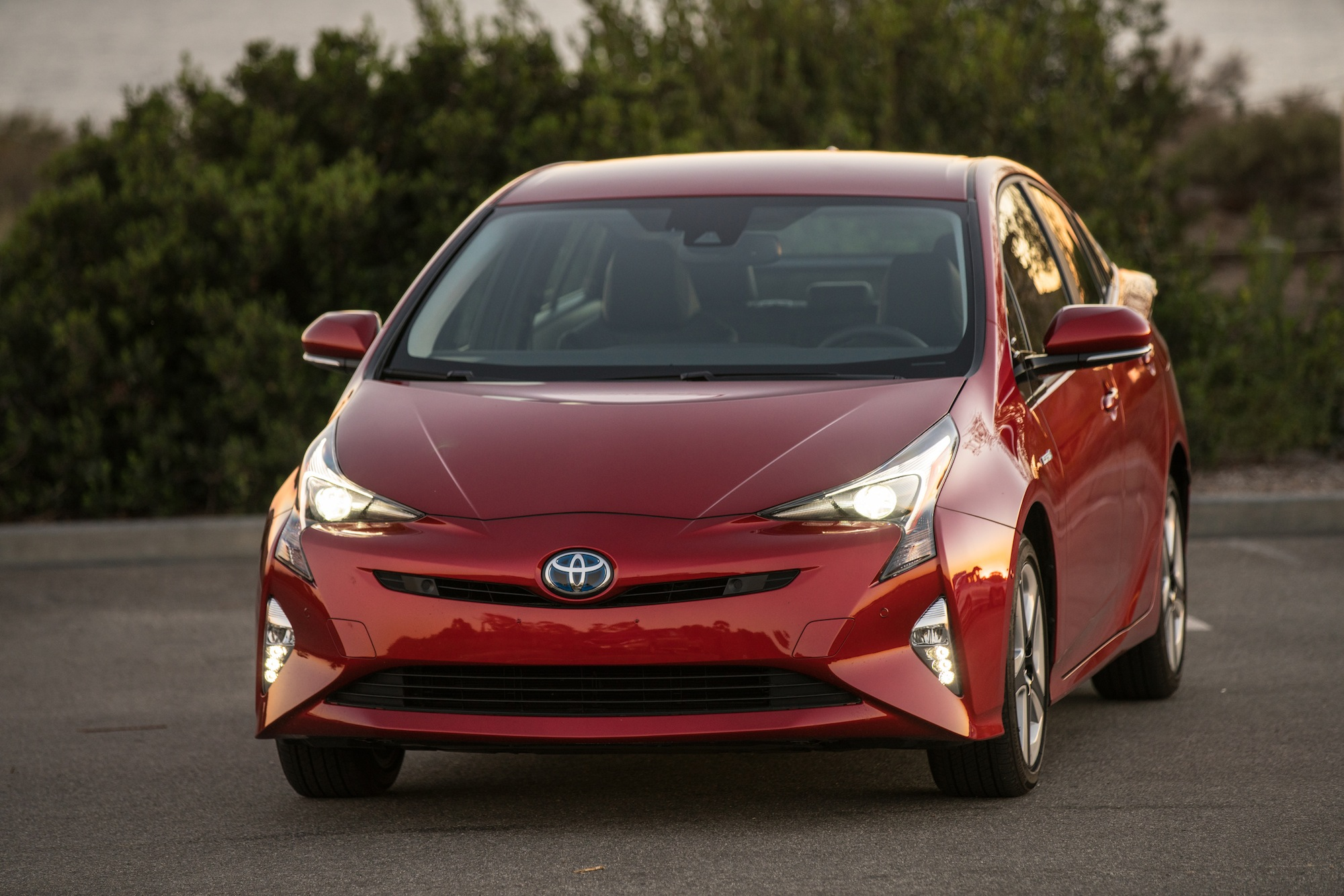 2016 toyota prius touring review news. Black Bedroom Furniture Sets. Home Design Ideas