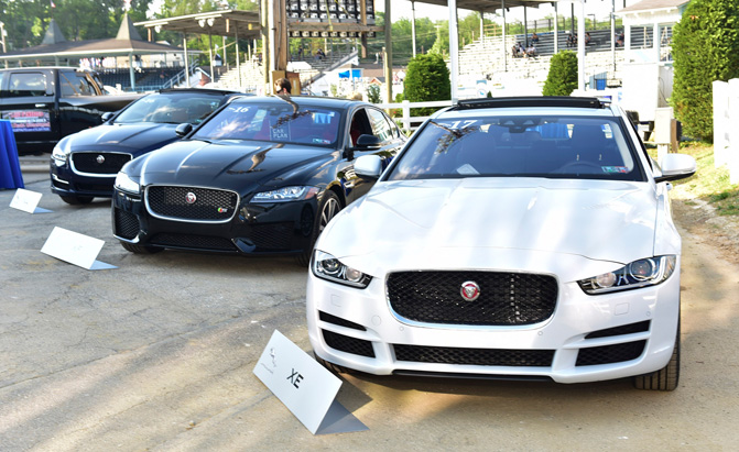 2017 Jaguar Lineup >> Jaguar Announces 2017 F Pace And Xe Pricing Autoguide Com News