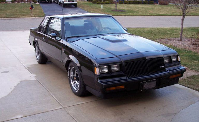 Buick_Grand_National-01