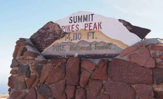 Pikes-Peak-Summit