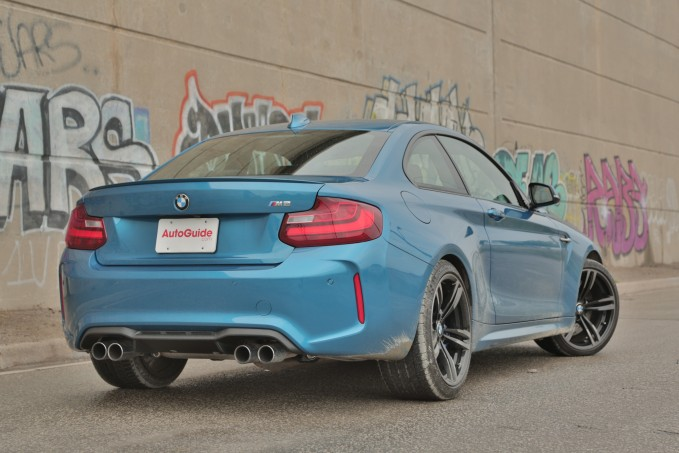 2016-BMW-M2-Review- (10)