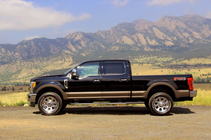 2017-Ford-Super-Duty-11