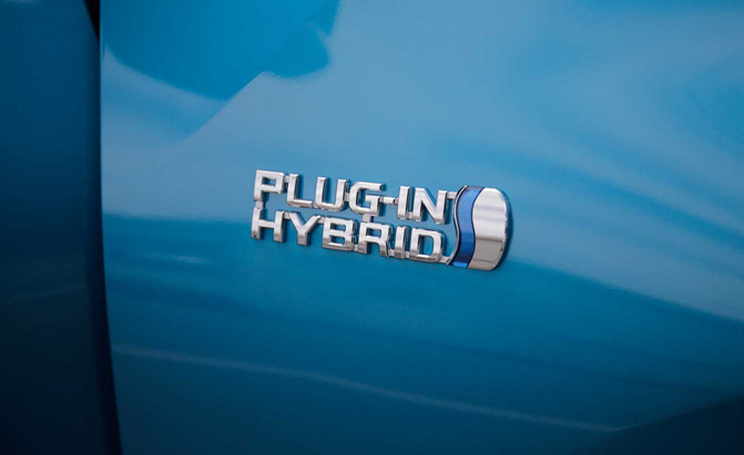 2017-Toyota-Prius-Prime-First-Drive-Badge