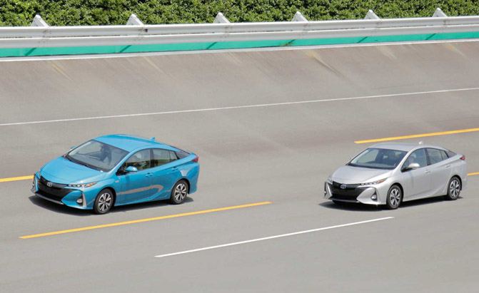 2017-Toyota-Prius-Prime-First-Drive-Driving