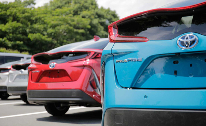 2017-Toyota-Prius-Prime-First-Drive-Rear