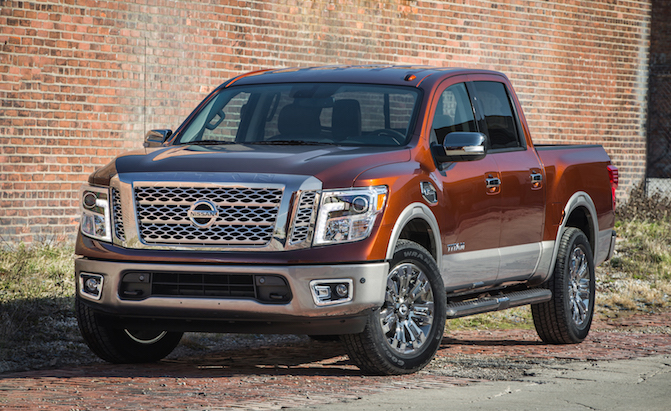 2017 nissan titan crew cab gets 9 390 pound tow rating news. Black Bedroom Furniture Sets. Home Design Ideas
