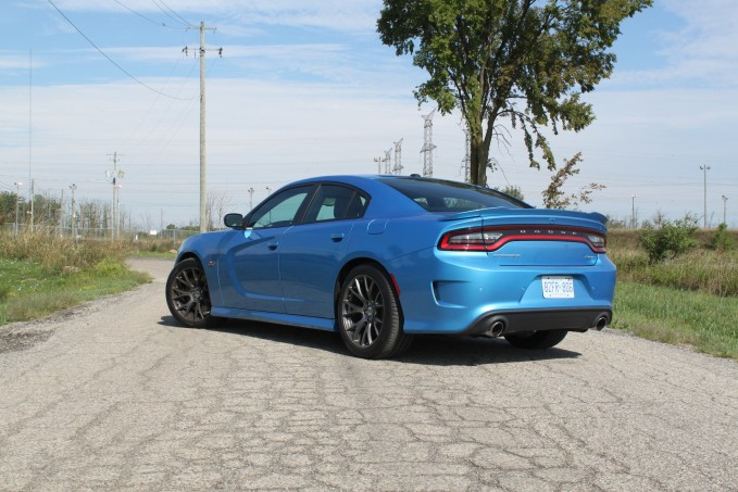 2016-Dodge-Charger-SRT-392-Review-11