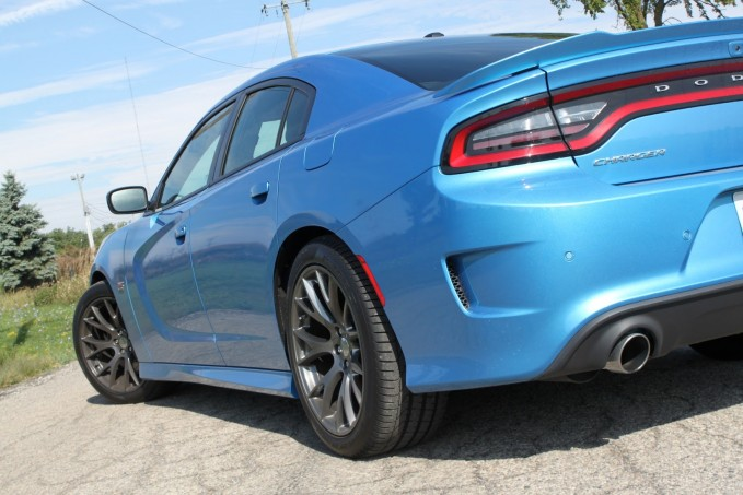 2016-Dodge-Charger-SRT-Review-22